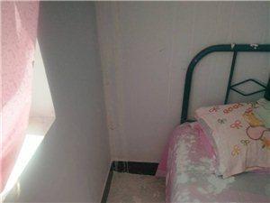 房顶漏水,有没有人管