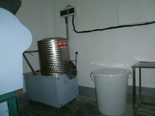 低價轉讓梅州客家生曬面設備一套。水電。食藥監所需證照齊全。有固定批發商銷售。投資即賺錢。場地干凈衛生...