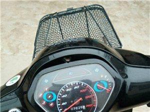 处理五羊本田125摩托车一辆。动力强劲,质量杠杠的!该车不足三年,行驶不到3700公里。威尼斯人冯庄乡小...