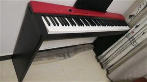 卡西欧px135电钢琴,未拆封,配木架和三踏板,黑色(与红色为已拆封同款),自用闲置,可以小刀。