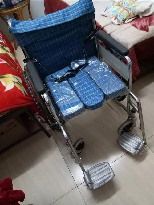 200元. 二手轮椅.   用过三次.八成新.有需要的联系我