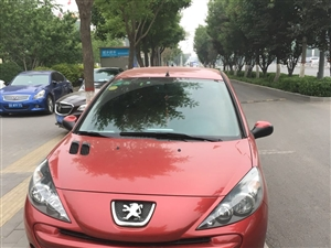 出售标志207两厢。2012年5月份的车。新上的保险三者五十万  无磕碰  行车记录仪 到手不用添钱...