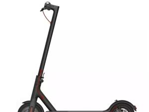 九成新小米电动滑板车,低价转让¥1500