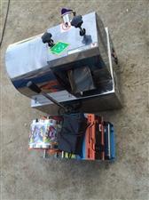 甘蔗机,封口机全套,甘蔗机9成5新几乎全新,元芳牌子品牌的,电池的无需用电,充一次电可以蔗连续20小...