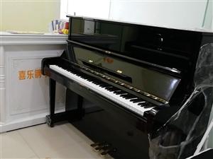 二手钢琴很新,一线品牌,现急用钱便宜卖了,