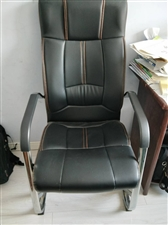 办公椅,全新,一共3个,单买一个180,三个都要170,不议价。