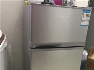 去年租房买的小冰箱,奥克斯BCD-112AC,冷藏79升冷冻33升