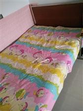 一米二乘一米九的床,带海棉垫子,白钢架