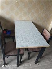 店铺到期,出售饭店2手用品转让。一个桌子+四把椅子280带走!