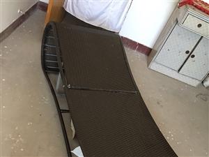 低价处理藤床藤椅,需要的赶紧联系,18202938773