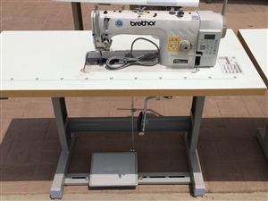 段头百越缝纫机 到新货了 平车 电脑平车 同步。防砸手钉扣机 需要的老板欢迎来点