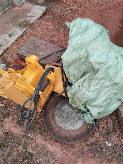 SG8022挖掘機