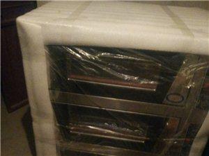 现有三相三层烤箱和25千克和面机,液化气煮面炉,物品均为崭新的,现减价处理。13993705472