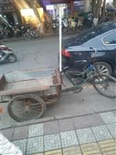 现有餐车,三轮车,椅子凳子,地址育才路附小斜对面早餐夜市摊位。