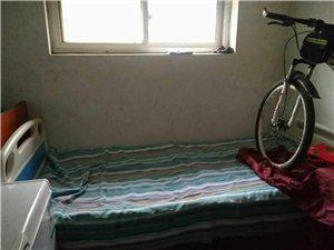 现有一成新的残疾床一个,有需要的联系我,电话13820173642