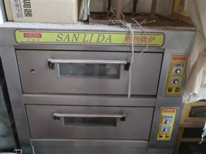 双层烤箱带20多个烤盘,银鹰压面机,中型和面机还有油炸锅,面包醒箱都是八成新,现在低价出售,非诚勿扰