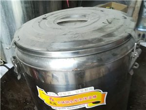 本人有二手煮面锅一个,保温桶一个,吊桶多个