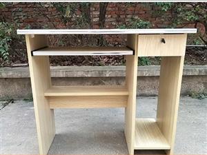 九成新电脑桌椅子一套起卖100元  最低80元一套(五套起卖)