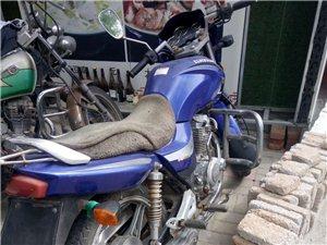 出售  有一台大阳125摩托车出售  德律风13464268762