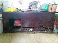 大煤炉,带两个大锅,吹风机,只用了两次,基本全新,适合农家乐,粉馆,新的3000多元,现在用不着了,...
