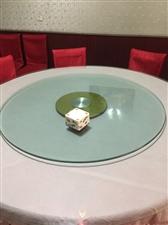 圆桌玻璃台面带转盘。2.1米还有一个1.5米  价格便宜