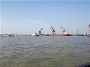 潢川人在长江跑自家的船!带你们看看风景。