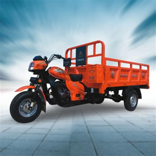 宗隆三轮摩托车,半年以内,95新家庭自用,2.4米货箱,一千公里,看得起的来,带一年保险,原价办完一...