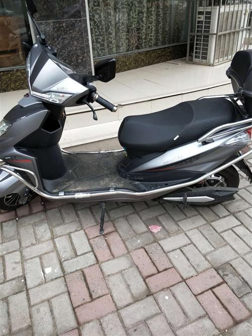 现有爱玛电动车一辆,新买的,骑了一星期,原价3500现价2600,有需要的联系我,价格可议,电话:1...
