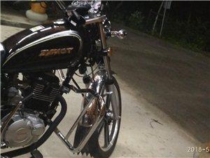 类型:摩托车 品牌:双鹰摩托车 发动机品牌:轻骑 发动机良好,磨合期已过 车子是2018年4月...