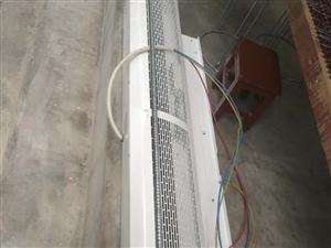 热、冷风幕,使用一年,因店门关闭,原价二千二百元,现处理价一千元。