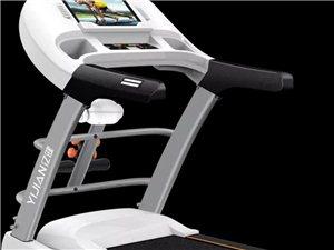 九成新跑步机,买来还才半年,还有一台体重秤,触摸屏,可连wifi,送两瓶润滑油,防尘罩,现着急搬家,...