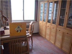 体育家园3室2厅2卫2600元/月