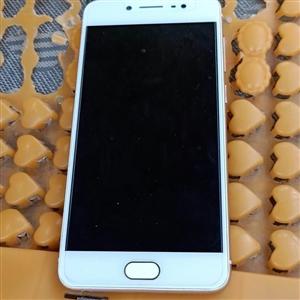 vivox7  手机问题什么都没有 买了几天 急需要钱 石南范围可以见面交易   微信3210783...