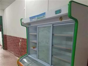冷冻柜,95成新,二手转让,买来半年都不到,没怎么用过,要的速度联系我,地址:(新生店宏昌超市)农商...