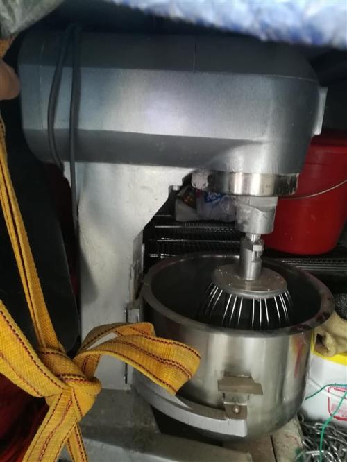 立峰打面机一台,新南方烤箱一台,新地只用一个月,有买的联系我。