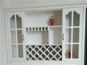 多层实木板 衣柜,九成新,可以到店里来看实物,安康市城区免费送货免费安装!