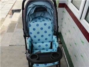 有一婴儿推车,好孩子牌,17年购买,八成新,买时400多,200就卖可折叠,可做可躺,万向轮,求真心...