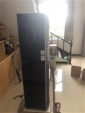 美的变频柜机空调2P出售,开餐馆买来用了不到一个月,没用了,原价5200,现价3500出售,质量保证...