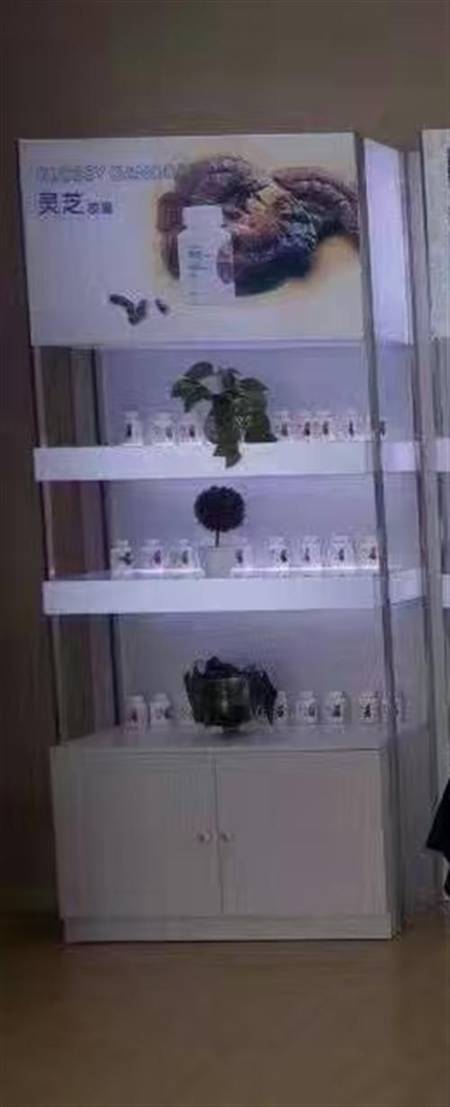 顶层带灯箱展示架,不锈钢框架,底部喷漆木柜!价格面议!