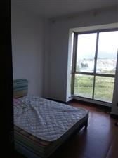 梦笔山自然村36号601室3室2厅2卫550元/月