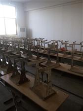 低价出售学生课桌