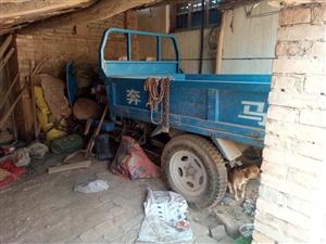 农用奔马车一辆,9成新,不种地了,5000出售