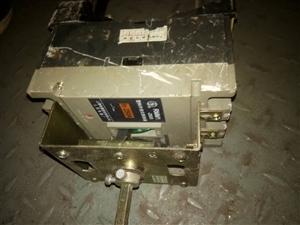 大量高价收购接触器空气开关各种银触点。联系电话同微信15163534771