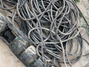 出售,自家用水泵,3寸水管,电缆等,因拆房用不到了,有需要的朋友电话联系