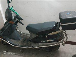 8年摩托车   便宜卖  400元   可讲价
