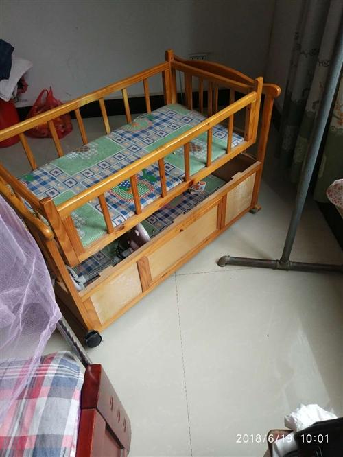 闲置婴儿床