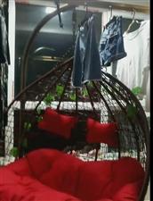 家用双人吊篮,底座有个毛垫,我洗了没有放上。淘宝600元买的,用了十几天,阳台要改装放不下了才卖,有...