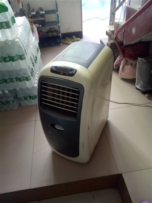 奧力32移動空調   上班用了一年多,現在放家里沒用過,制冷制熱杠杠的,低價轉給有需要的