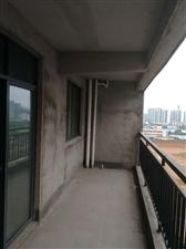 阳光龙苑3室2厅2卫800元/月