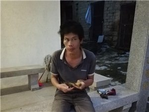 一个乌石村的人,是走失的,要找家人求转发